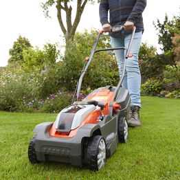 Mighti Mo 300 Combi Pack Lawnmower + Grass Trimmer